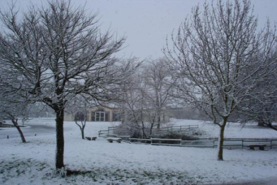 La salle communautaire...sous la neige en janvier 2012