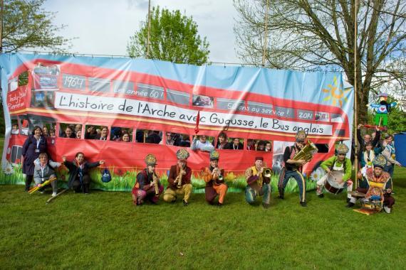 L'Arche à Trosly à la fête de famille des 50 ans (mai 2014)