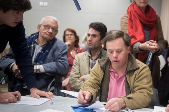 grand-debat-national-arche-personne-handicapee-parle