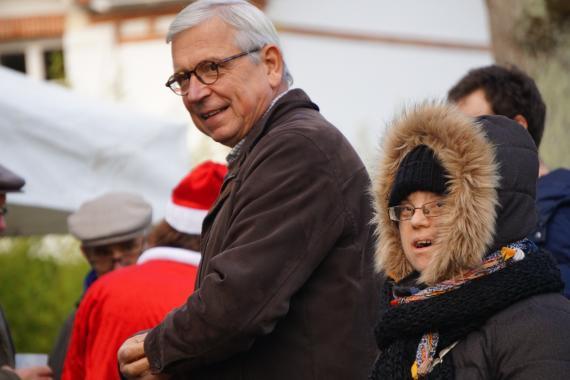 Benoît Cailliau en compagne de membres de L'Arche le Sénevé