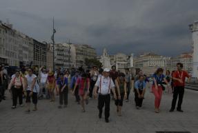Flahsmob sur le Vieux Port à Marseille pour fêter le Jubilé, le 31 mai 2014